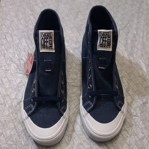 Vans men size 6 high shoes - new in box
